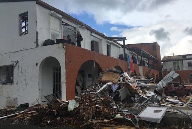 Un edificio destruido en Road Town.