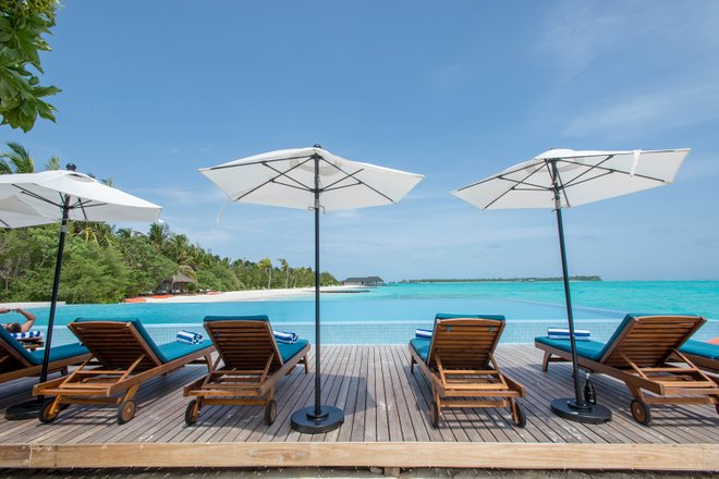 The Infinity Pool presso l' Island Island Maldives / Oyster