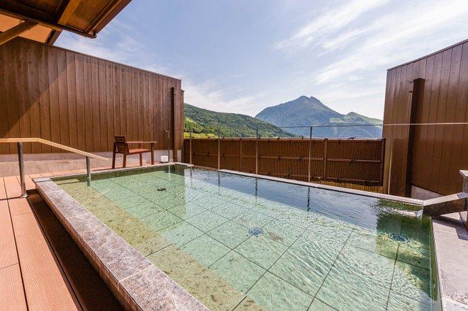 Public Bath at Yufuin Hanayoshi/Oyster