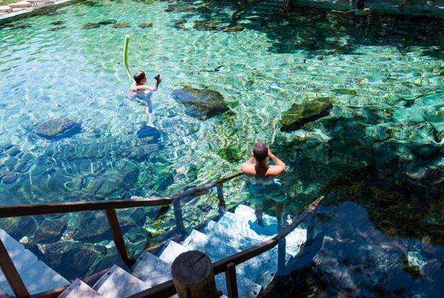 La piscina en el Rio Quente Suíte & Flat III / Oyster