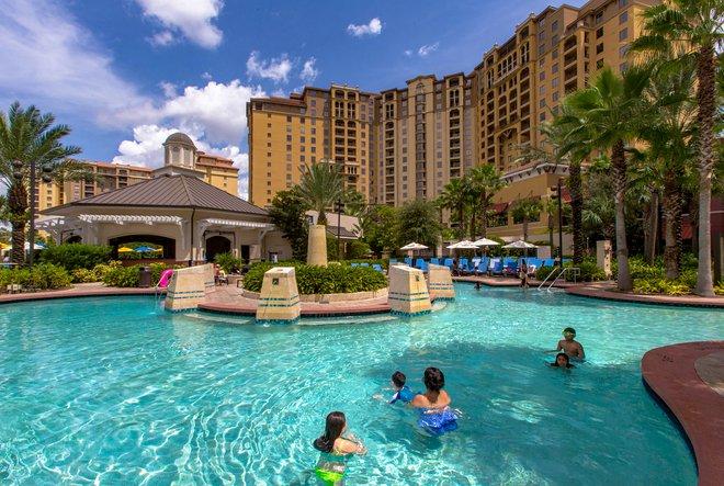 A piscina no Wyndham Grand Resort Orlando Bonnet Creek / Oyster