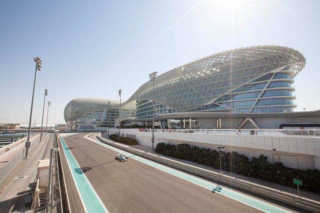 Yas Viceroy Abu Dhabi / Oyster
