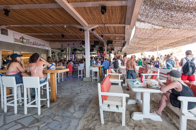Tropicana Bar in Mykonos/Oyster