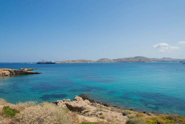 Playa en el Hotel Paros Bay / Oyster