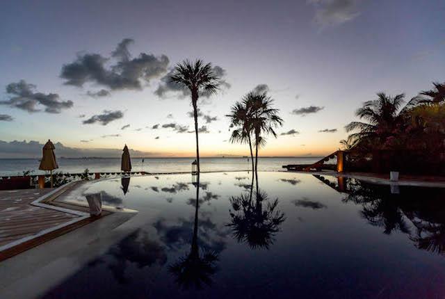 Zoetry Villa Rolandi Isla Mujeres Cancún / Oyster