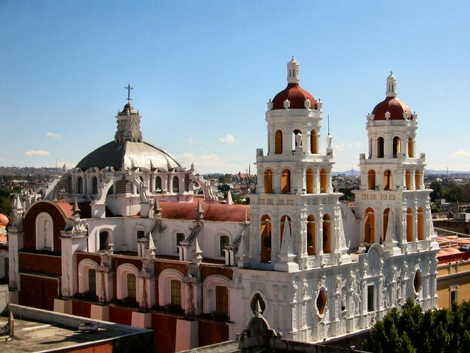 Puebla's cathedral by Russ Bowling/Flickr