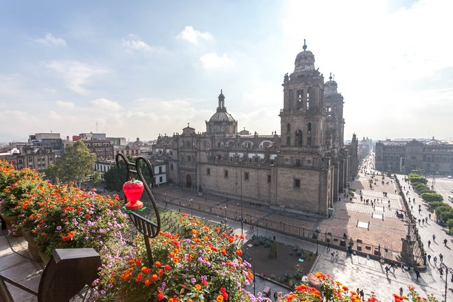 View of the Catedral Metropolitana from Zocalo Central/Oyster