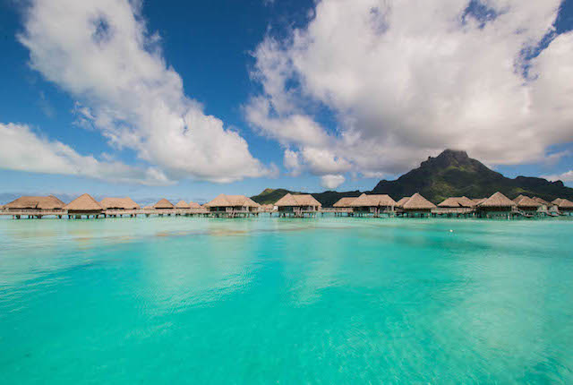 InterContinental Bora Bora Resort & Thalasso Spa / Oyster