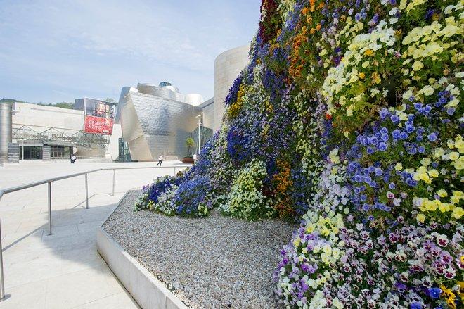 Guggenheim Museum Bilbao / Oyster