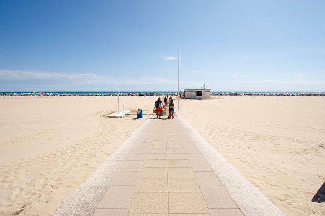 Strand in Gandia / Oyster