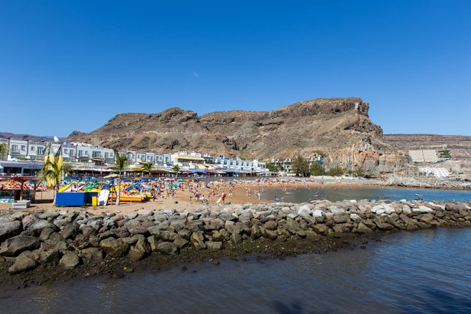 Beach in Puerto de Mogan/Oyster