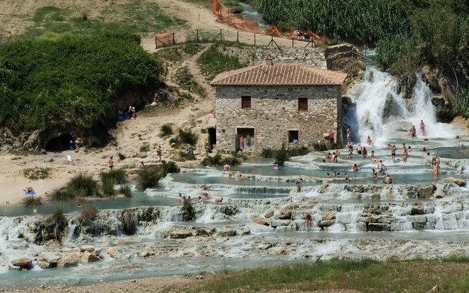 Tuscan thermal bath. Theo K/Flickr
