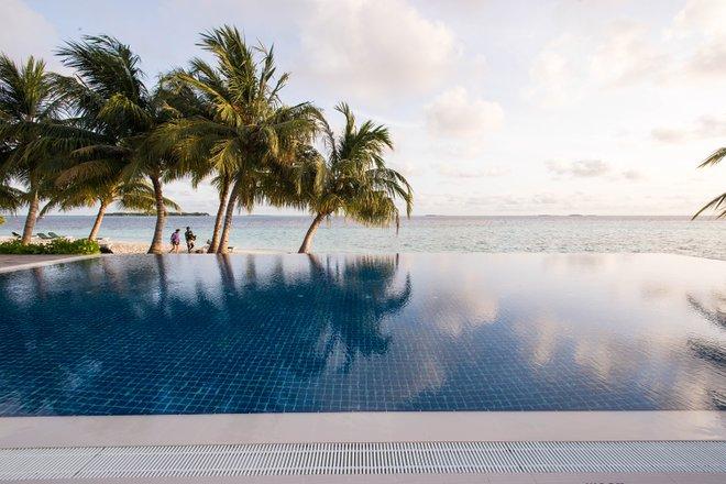 Vilamendhoo Island Resort & Spa / Oyster