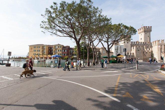 Strada del Grand Hotel Terme / Oyster