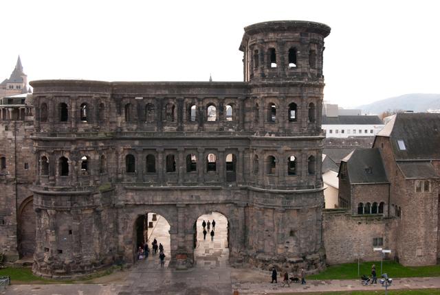 Porta Nigra, Trier, Deutschland; LenDog64 / Flickr
