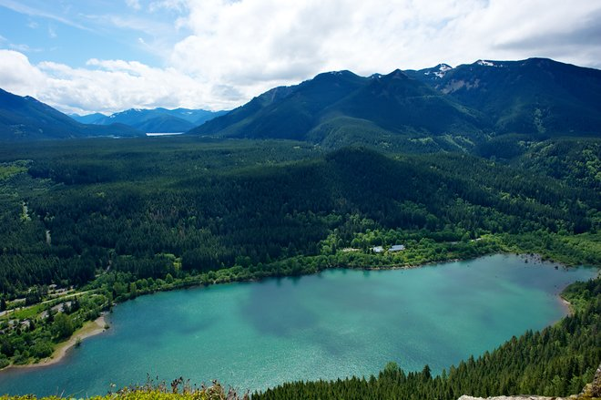 Rattlesnake Ledge; Daniel Stockman/Flickr