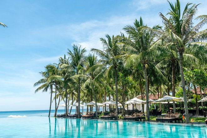 Der olympische Pool im Four Seasons Resort Der Nam Hai / Oyster
