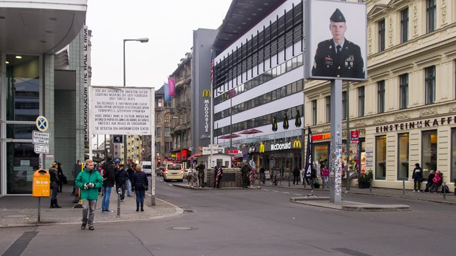 Checkpoint Charlie, Berlin; Ed Webster/Flickr