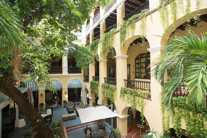 Patio im Hotel El Convento, Puerto Rico / Oyster