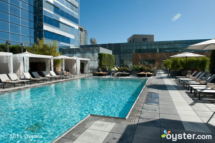 La piscina del JW Marriott Hotel Los Angeles LIVE