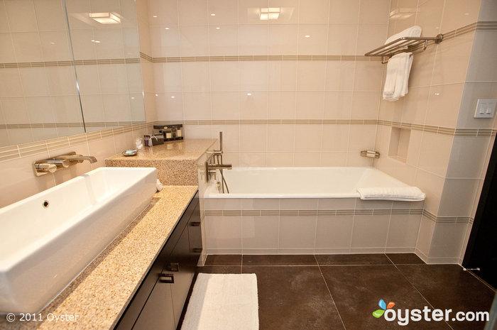Badezimmer in der Park Suite, Gansevoort Park Ave, New York City