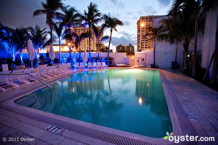 Piscina no B Ocean Fort Lauderdale
