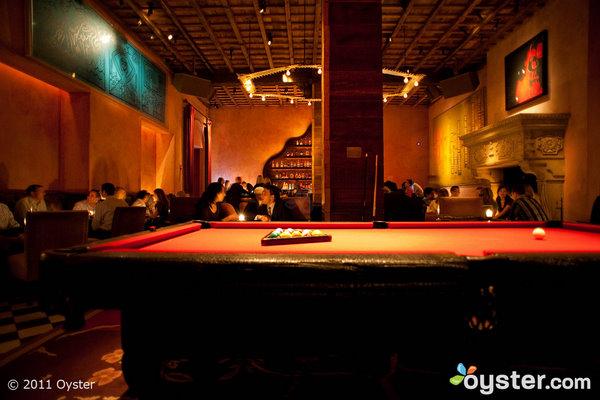 El moderno Rose Bar en el Gramercy Park Hotel ha sido el escenario de más de unas cuantas conexiones famosas.