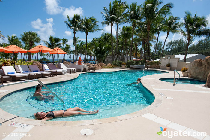 La piscina per adulti presso il Marriot Harbour Beach Resort and Spa; Fort Lauderdale, FL