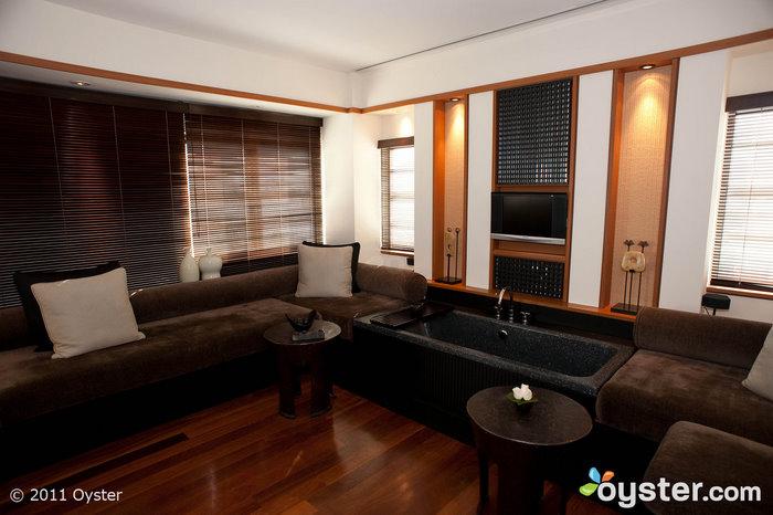 La sala de estar de la Suite Studio en el Setai; Miami, Florida