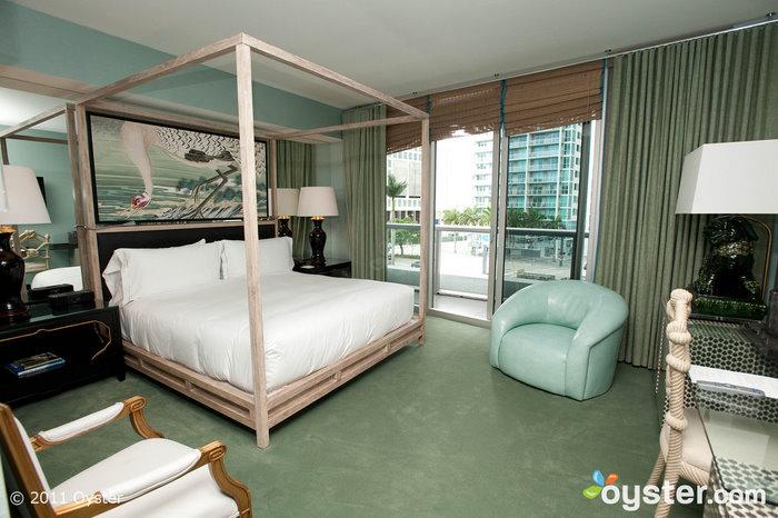 La suite de un dormitorio en el Viceroy; Miami, Florida
