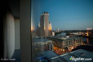 Mit der Living Room Bar und einer wilden Dachpoolszene ist der W Austin fast zu cool.