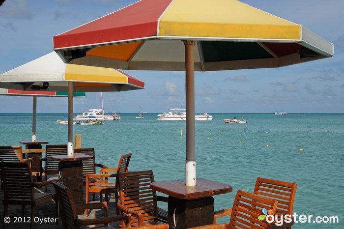 Piets Pier Bar at the Hyatt Regency Aruba Resort and Casino