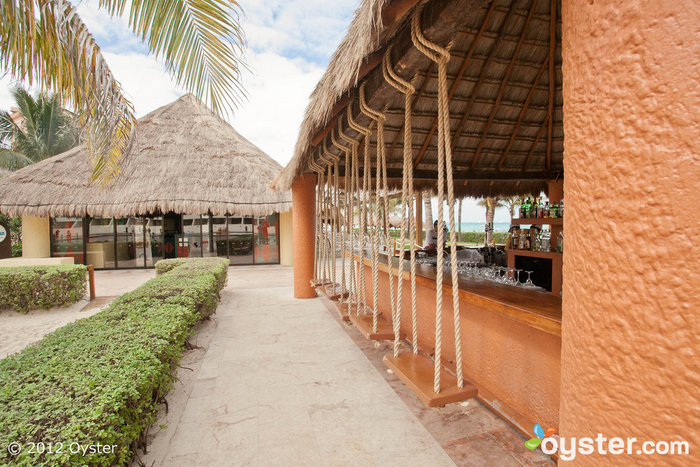 Beach Bar at the Dreams Cancun Resort & Spa - All Inclusive