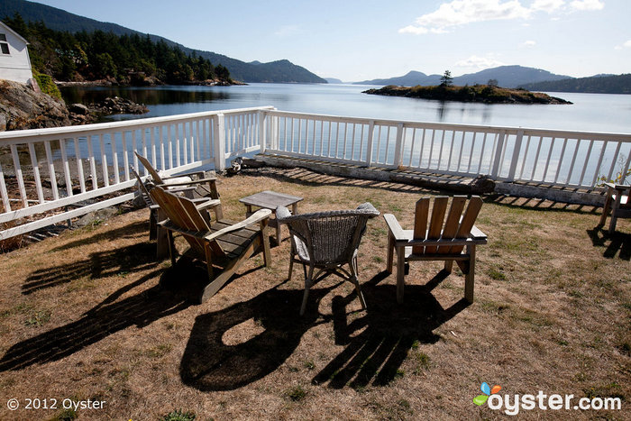 The breathtaking views from the Outlook Inn will provide a gorgeous backdrop for wedding photos.
