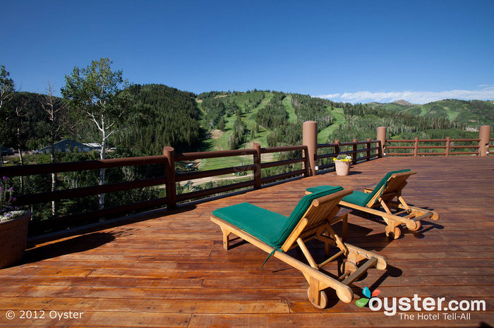 The lodge boasts mountain views that are gorgeous both in the sun and in the snow.