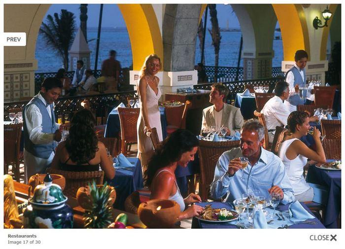 Photo from the Hotel Riu Cancun website.