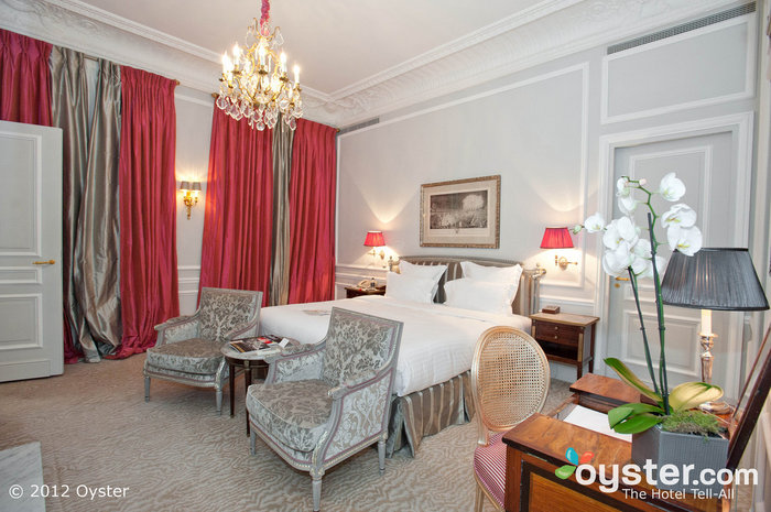 These luxurious rooms have classic, elegant decor, but modern technologies.