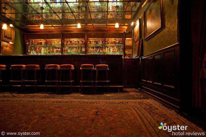 Lobby Bar e pátio no The Bowery Hotel
