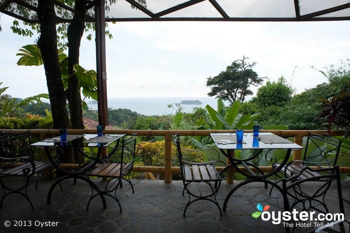 Rico Tico Bar & Grill boasts gorgeous ocean and jungle views.
