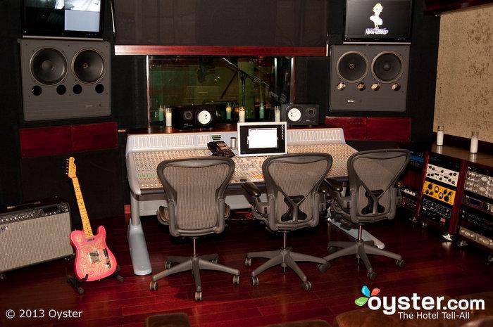 Le Nightbird Sound Studio du Sunset Marquis accueille des artistes de la scène A depuis des décennies.