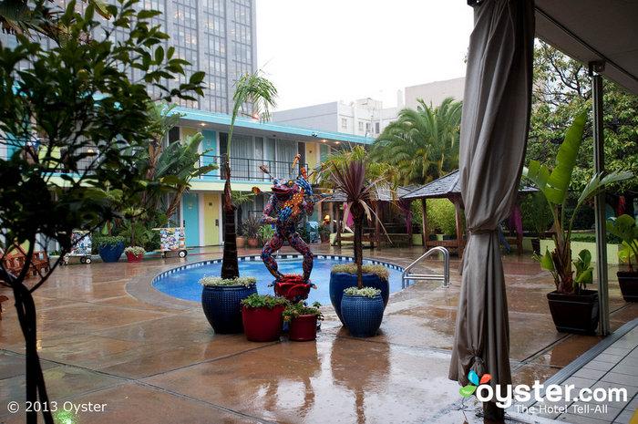 Les parties de piscine à Vegas n'ont rien sur celles de San Fran - du moins pas quand un groupe est en ville.