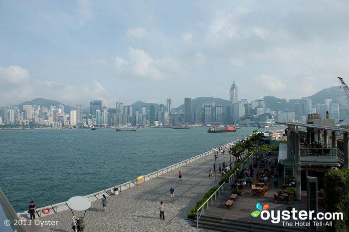 Victoria Harbour, como se ve desde Kowloon, cobrará vida durante las celebraciones del año nuevo.