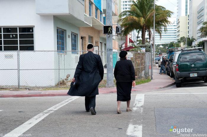 Hasidim in Mid-Beach
