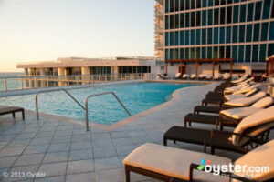 The Canyon Ranch in Miami has a gorgeous rooftop pool with stunning ocean views.