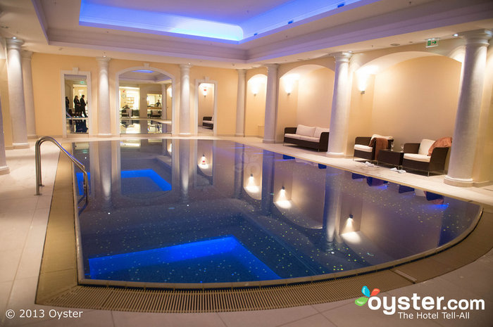 O spa do Britannia Hotel possui uma piscina deslumbrante.