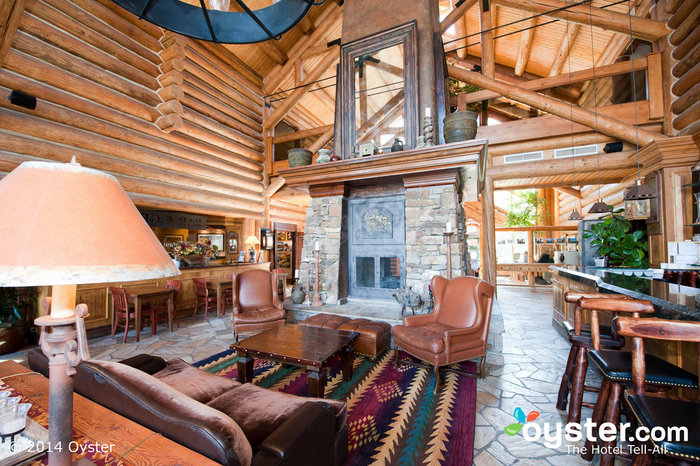 7 Cozy Mountain Lodges for Your Last Winter Hurrah | Oyster com
