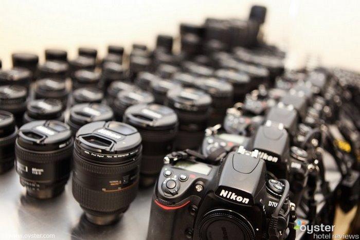 Nous adorons Nikon chez Oyster, et nos journalistes utilisent les D700 comme caméras principales.