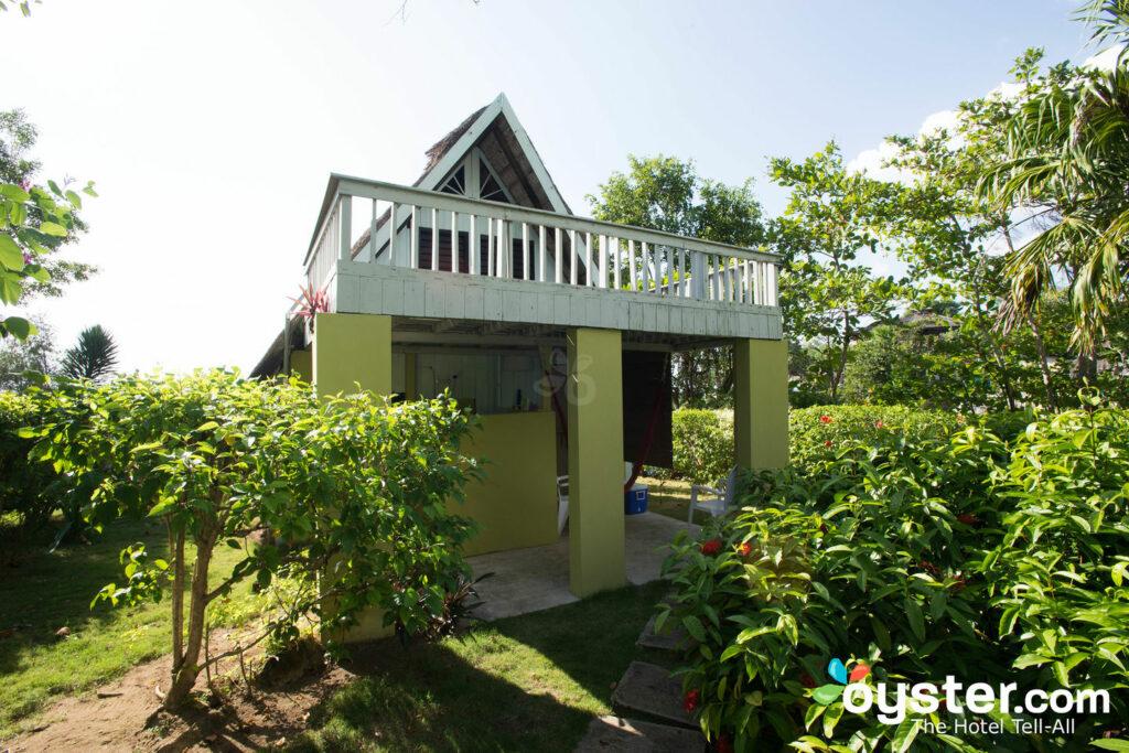 Uma casa de quadro em citronela / ostra
