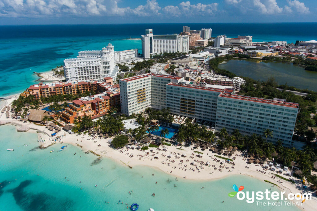 Dreams Sands Cancun Resort & Spa Detailed Review, Photos & Rates