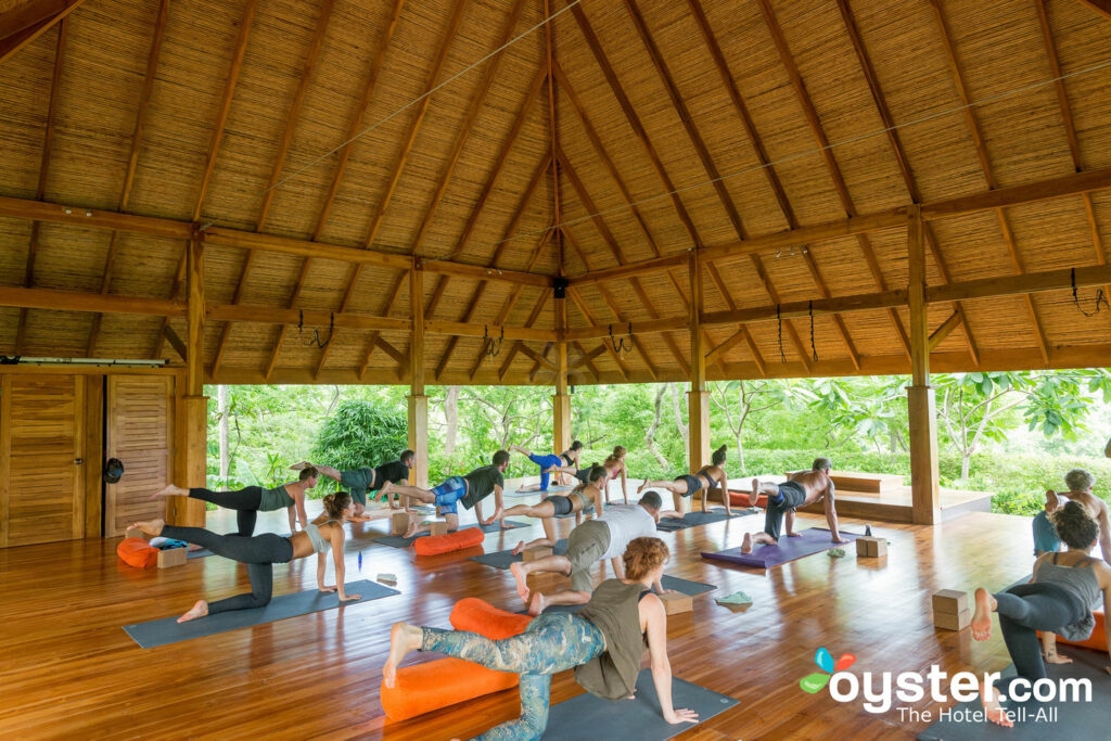Akasha Shala im Bodhi Tree Yoga Resort / Oyster